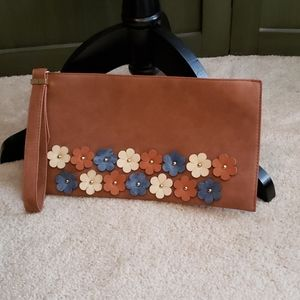 🌺3/$10🌺 Faux leather clutch
